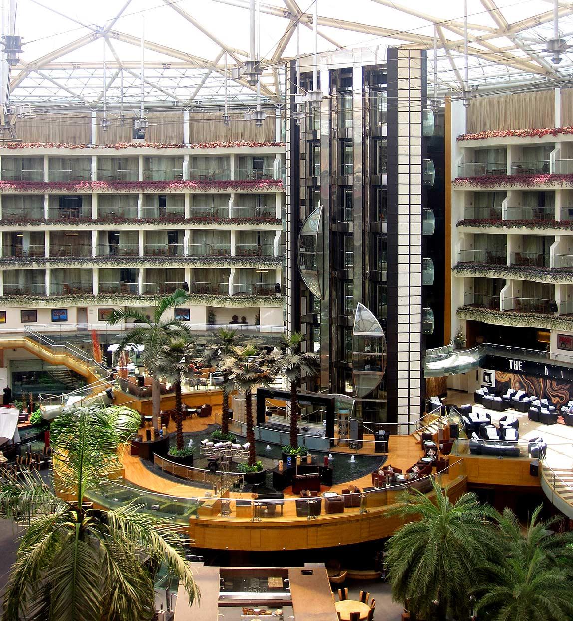 Sahara-Star-Hotel25
