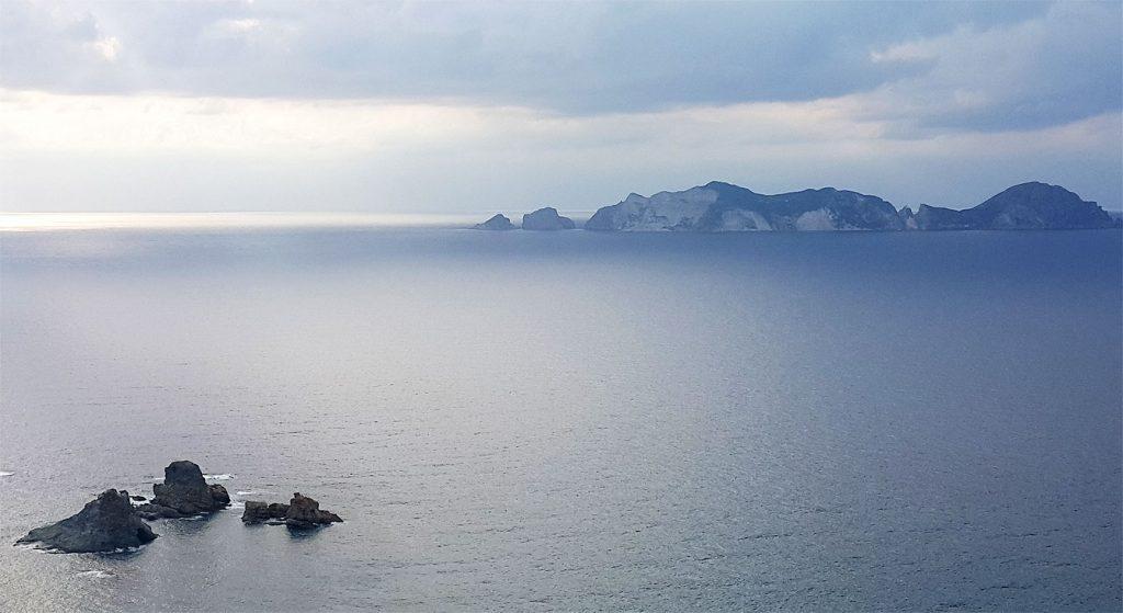 île de Palmarola au loin