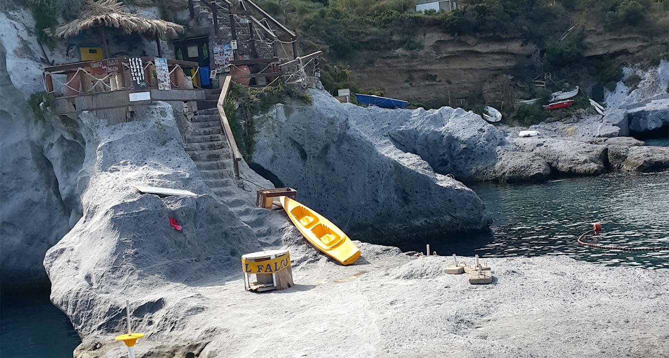 piscine naturali à Forna, île de Ponza