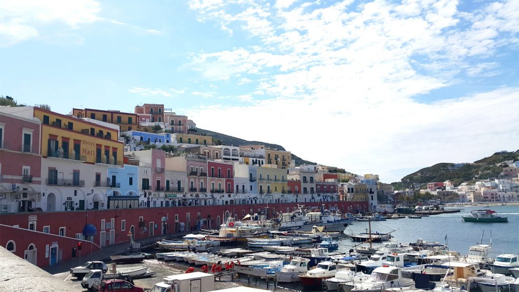 how to get to ponza italy