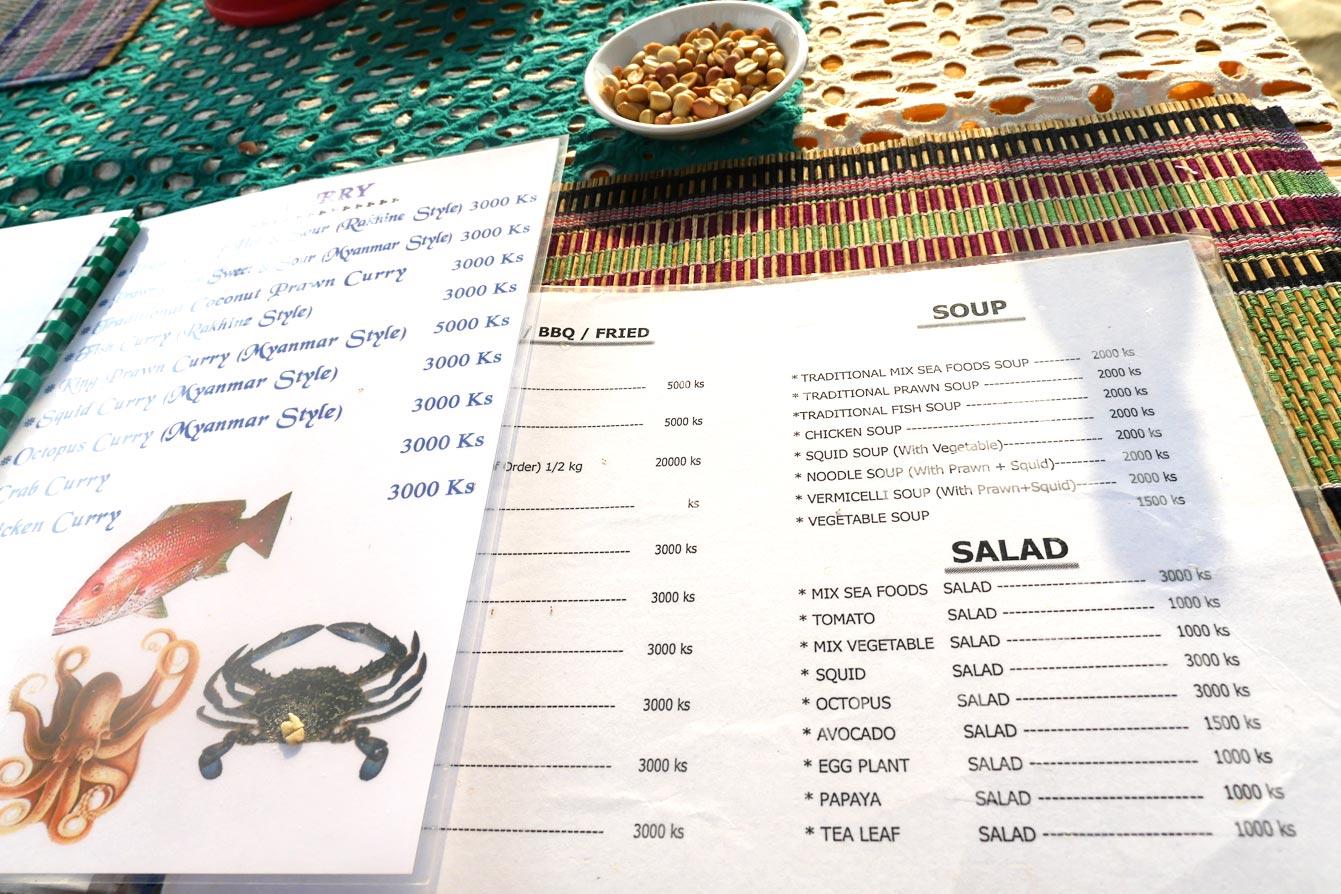 oasis-beach-bbq-restaurant-ngapali-03