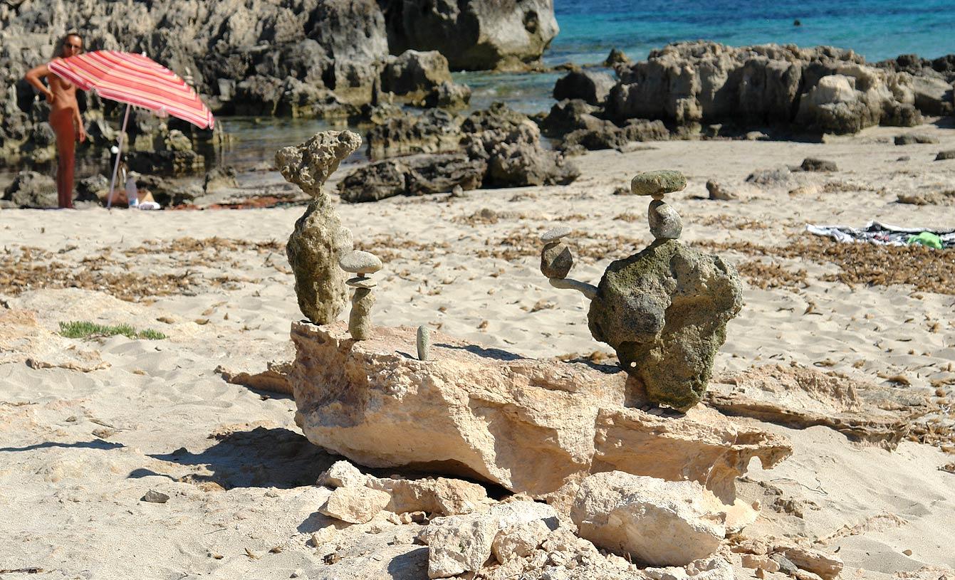 Stone balancing, Ibiza, Las Salinas