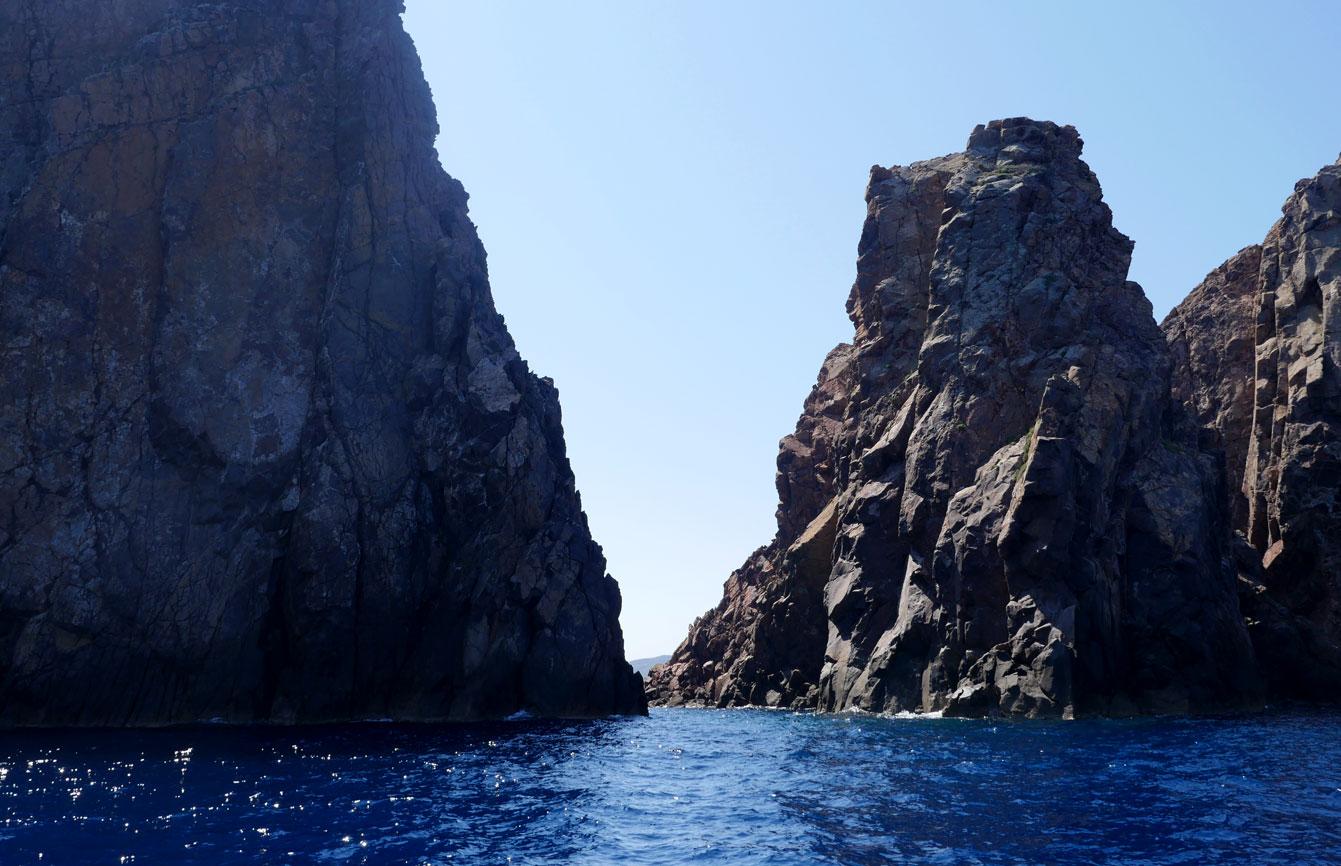 Milos : tour en bateau
