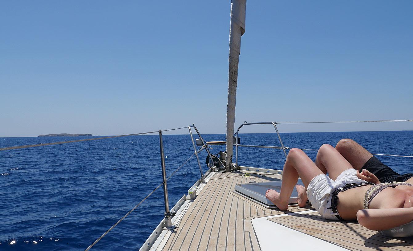 10-milos-tour-bateau