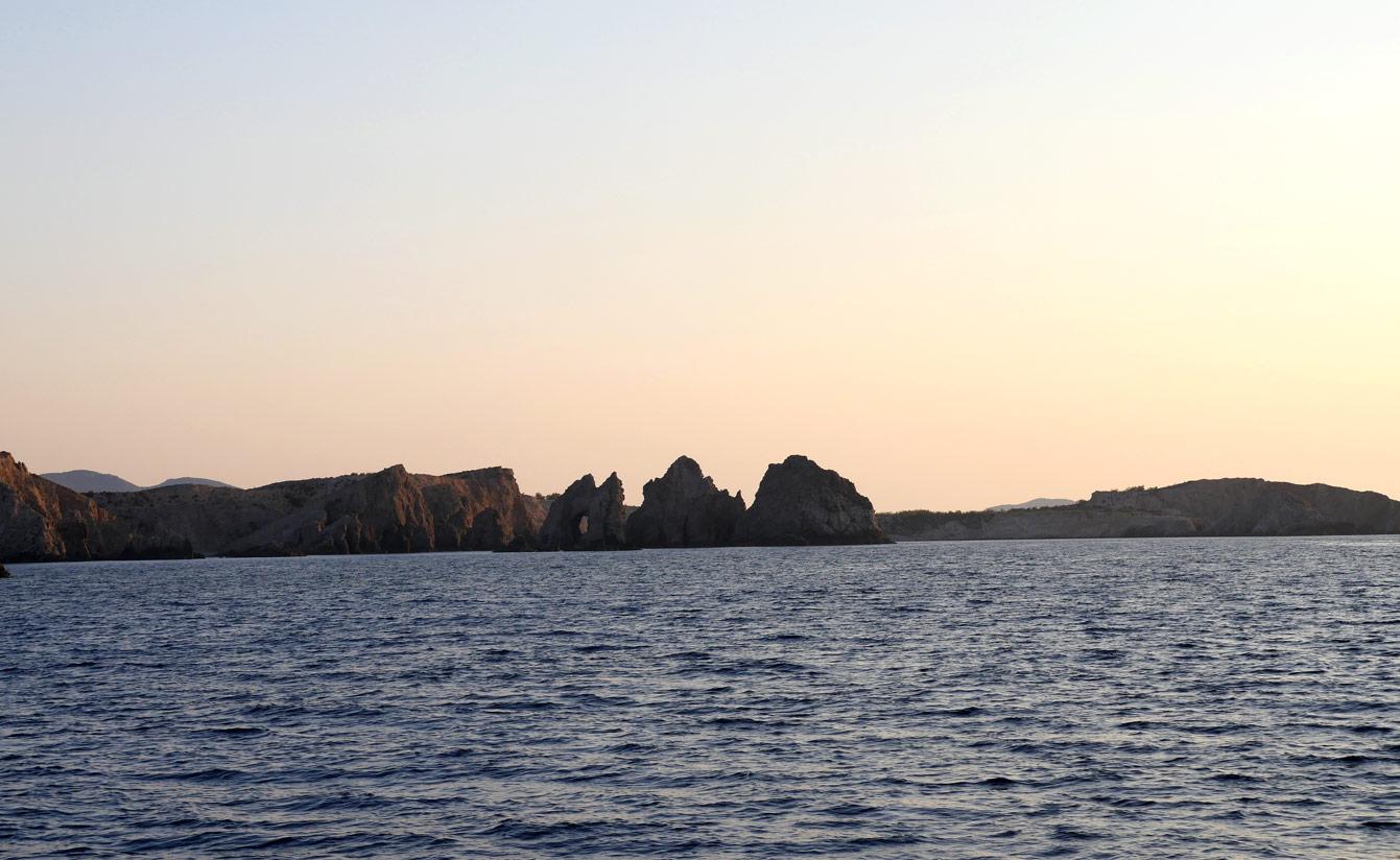 23-milos-tour-bateau