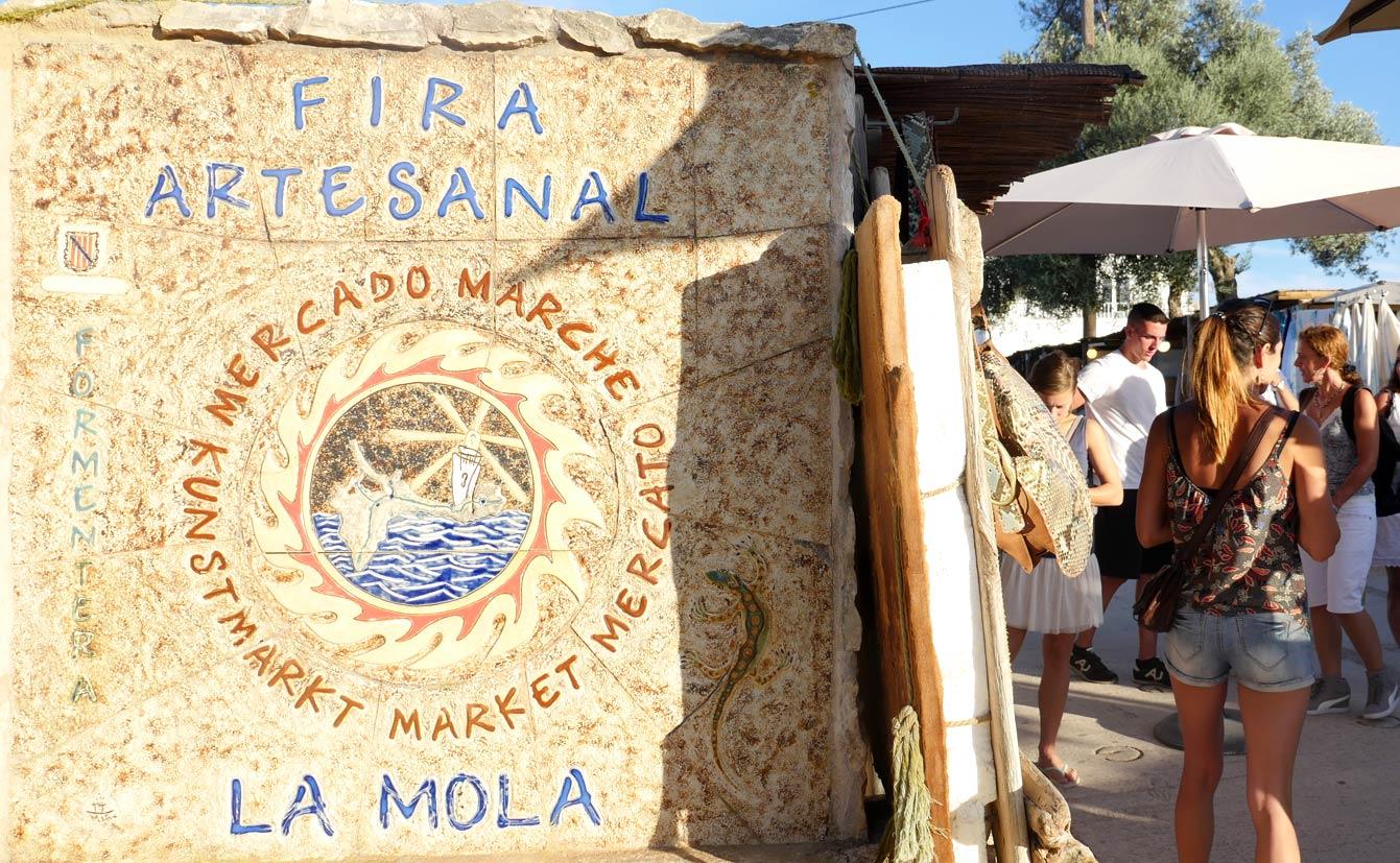 Marché hippie : marché de la Mola (Formentera)