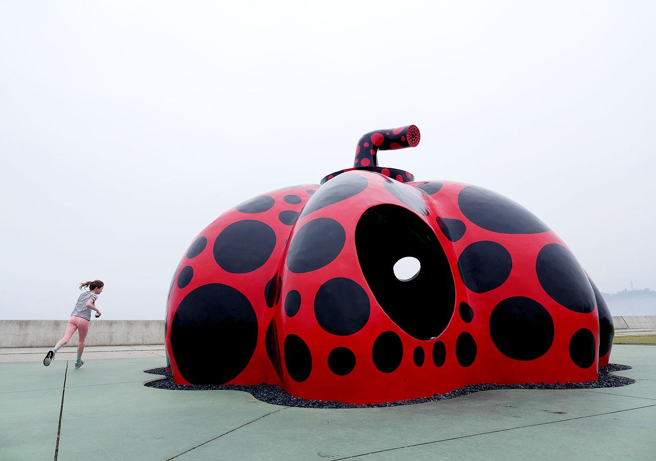 «Pumpkin playhouse», Yayoi Kusama, Naoshima