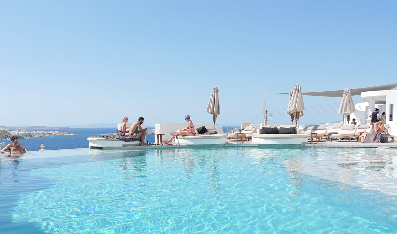 Absolut Mykonos Suites & More (Mykonos)