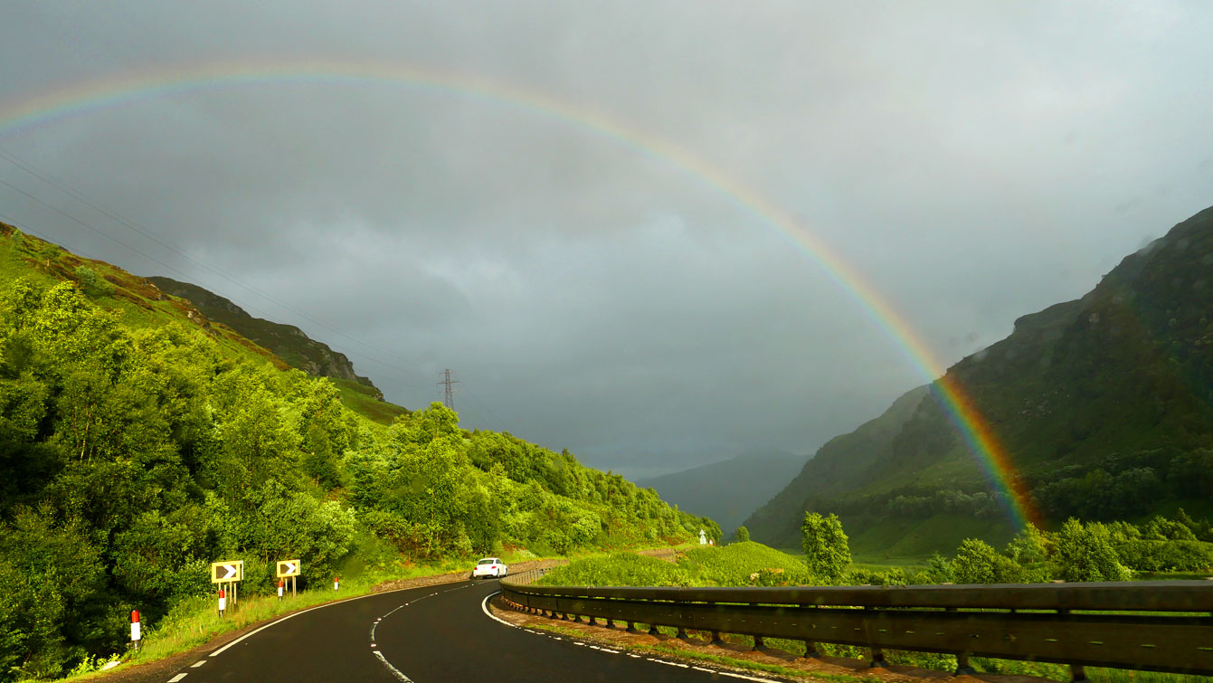 la route de Glen Coe, arc-en ciel