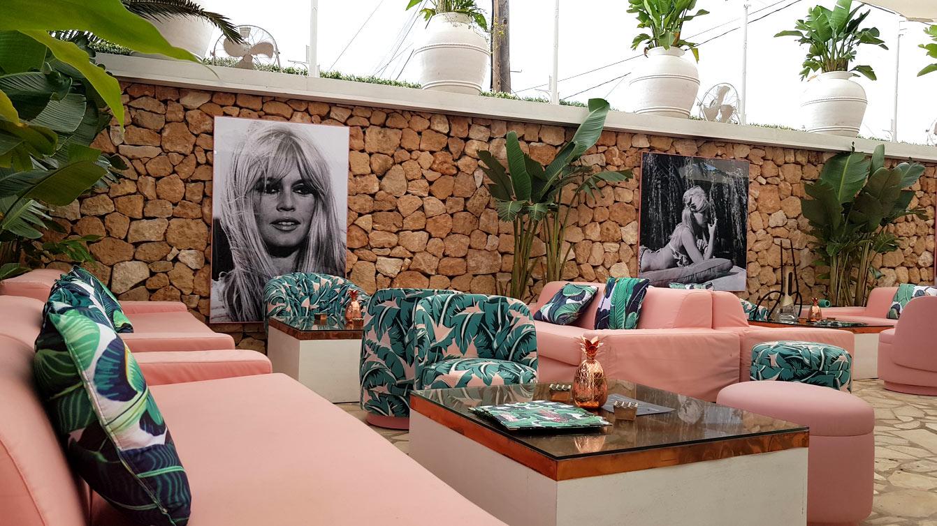 restaurant Bikini by Cathy Guetta : Brigitte bardot