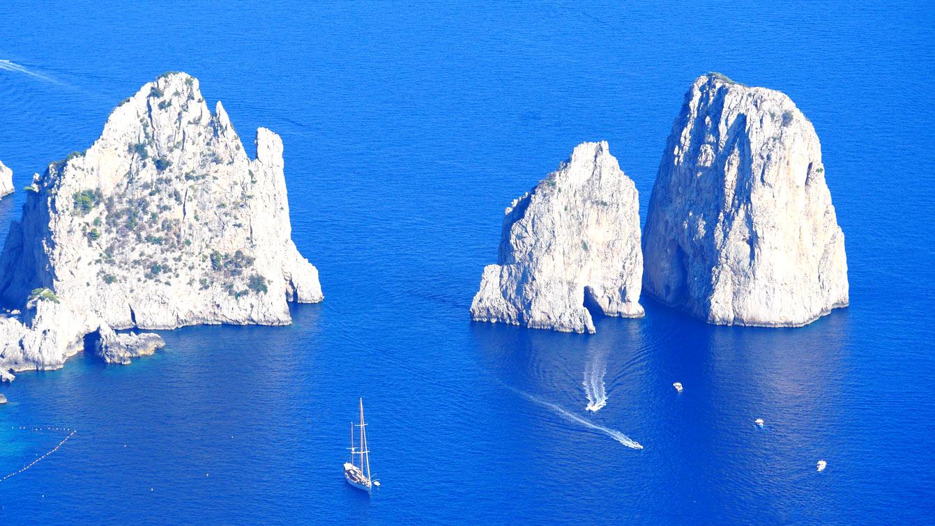 Les 3 Faraglioni di Capri